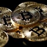 Bitcoin-kursen er knækket, men teknologien varsler et nyt finansielt paradigme. Ligesom internettet følger den en hypekurve, som på et tidspunkt vil stabilisere sig, mener ekspert.
