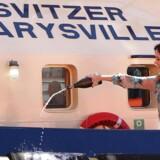 Kronprinsesse Mary døber bugserbåden »Svitzer Marysville« i Melburne i 2011.