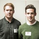 Soldaterkammeraterne Mark Nilsson (th.) og Andreas Kjærsgaard sælger hjertestartere og underviser i førstehjælp i Firts-8.