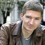 Forfatter Kim Blæsbjerg formår at forberede læseren på de tiltagende sammenbrud i romanen »Desertørerne«.