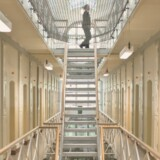Ledelserne på landets fængsler skal fremover have større fokus på anbringelser i sikringsceller, og anbringelserne skal gennemgås ved personalemøder og af Kriminalforsorgens jurister. Sådan lyder de nye instrukser efter ombudsmandens kritik af sikringsanbringelserne. Scanpix/Dennis Lehmann/arkiv