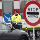 Den midlertidig grænsekontrol er blevet forlænges på ny. Lørdag har det givet problemer for bilister, der er på vej tilbage til Danmark efter vinterferie i Europa. (Arkivfoto)