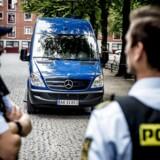 Politiet har efter de mange skyderier i den seneste tid sat en mobil politistation op på Nørrebro. Den mobile politistation skal være med til at skabe tryghed.