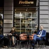 »Vi henvender os til 90 procent af den danske befolkning, og så nytter det altså ikke, at priserne ligger heroppe,« siger Frellsens direktør, Peter Frellsen.