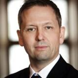 Cheføkonom Steen Bocian fra Dansk Erhverv mener, at realkreditinstitutterne bør sætte bidragssatserne ned som konsekvens, at antallet af tvangsauktioner er faldet markant.