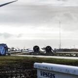 Vindmølleproducenten Vestas vil afskedige cirka 350 medarbejdere på sin vingefabrik i Lem i Vestjylland.
