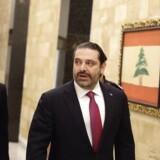 Libanons premierminister Hariri bliver på posten. Han trak sig ellers i november, da han frygtede for sit liv.
