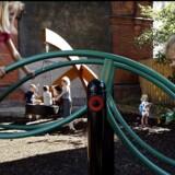 Arkivfoto: Børn leger på legepladsen på Skydebanen, Vesterbro i København.