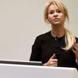 Den svenske bank SEB smølede med detaljerne omkring den nu tidligere topchef Annika Falkengrens exit, og det koster nu banken en millionbøde.