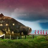 Det ville ikke have været muligt at producere Joshua Oppenheimers dokumentarfilm »The Act of Killing« (billedet) uden støtte fra DR, siger filmens producent Signe Byrge. Regeringen foreslår at afskaffe den såkaldte aftale der forpligter danske TV-stationer til at støtte dansk film.