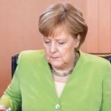 Angela Merkel mødes søndag med kolleger fra Østrig, Italien, Frankrig, Grækenland, Bulgarien, Spanien og Malta i Bruxelles.