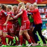 Kvindelandsholdet efter sejren mod Tyskland i kvartfinalet i sommer.