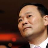 Li Shufu, ejer og grundlægger af den kinesiske bilfabrikant Geely, har investeret i knap ti procent af Mercedes-Benz-ejeren Daimlers aktier. I dag mødes han for første gang med Daimlers ledelse