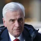 Labours såkaldte »skyggefinansminister« John McDonnell udtaler at Labour ønkser at danne en mindretalsregering, efter nattens valgresultat, hvor de Konservative og premierminister Theresa May gik katastrofalt tilbage.