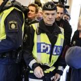 Sveriges initiativer har skadet forholdet til Danmark, siger en gruppe af svenske politikere.