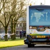 Den førerløse elminibus WePod rullede torsdag ud på sin jomfrutur - 200 meter ad offentlig vej - i byen Wageningen nær Arnhem.