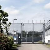 Hvis formålet er at øge sikkerheden i fængslerne, er flere fængselsbetjente det forkerte greb, mener Claus Bonnez, der er formand for Landsforeningen Krim.