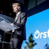 Administrerende direktør i Ørsted Henrik Poulsen står nu i spidsen for Danmarks næstmest værdifulde selskab. Kun Novo Nordisk er mere værd end Ørsted. Medicinalselskabet var i øvrigt Poulsens første arbejdsgiver.