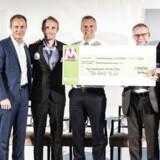Vinderen af det ene mikrolegat blev udvalgt af kurérfirmaet UPS, som valgte »Danish Cardboard Tech«, der producerer billige krykker og har fokus på at udbrede dem til udviklingslande.