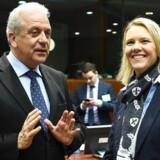 Norges udlændinge og integrationsminister, Sylvi Listhaug (th) finder inspiration i dansk udlændingepolitik. Her ses hun sammen med EU-Kommissær Dimitris Avramopoulos.
