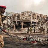 Byen blev for to uger siden rystet af en kolossal lastbilbombe, som kostede flere end 350 mennesker livet. Det er det hidtil blodigste angreb i landet.
