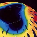 Illustration af ozonhullet over Jorden i 1990erne.