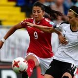 Danmark slog torsdag Østrig og skal søndag op imod Hollands EM-værter i finalen. For to uger siden tabte danskerne en gruppekamp til hollænderne med 0-1. Scanpix/Tobias Schwarz