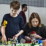 CodingPirates har en workshop, hvor en 5. klasse skal kode og bygge f.eks. en robot. Fra venstre er det eleverne Jelle Mulder, William Sennig, Rikke Nørgård og Annika Mortensen.