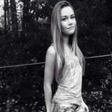 Østjyllands Politi efterlyser 16-årige Victoria Adelhaid Andersen. Hun beskrives som 160 centimeter høj, spinkel af bygning og med lysebrunt hår. Politiet kan træffes på telefon 114. Free/Politiet