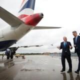 London City-lufthavnen i Londons finansdistrikt Docklands har fået grønt lys til en udvidelse, der har en prislap på over tre mia. kr. Her fortæller den britiske finansminister, Philip Hammond, om den nye London City-lufthavn.