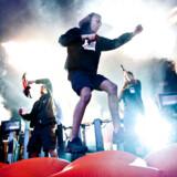 Kesi ligger lunt i svinget til at vinde PR3 Prisen fredag aften. Her er han i aktion på Roskilde Festival 2012.