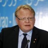 »Hvordan informationskanaler fungerer i andre sammenhænge er ikke mit ansvar,« siger Sveriges forsvarsminister, Peter Hultqvist, efter samråd i forsvarsudvalg.