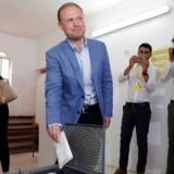 Beskyldninger om urent trav er blevet rettet mod den 43-årige premierminister Joseph Muscat og hans arbejderparti.