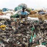 Kenya sætter skarpt ind mod forurening. Landet har indført verdens hårdeste lov mod brugen af plasticposer.