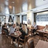 Deleøkonomiselskabet Sp8ces er gået i partnerskab med foreløbigt tre populære københavnske restauranter, som lægger lokaler til møder og kontorarbejde i de mange timer, hvor der ikke er åbent for restaurantgæster: Det er her Fuego i Indre By samt BobBistro i Kødbyen på Vesterbro og Tribeca NV i Nordvestkvarteret. PR-foto