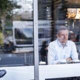 Fastfood-kæden McDonald's har kronede dage i Danmark, hvor kunderne i stigende grad strømmer til og tillader sig selv at synde, mens de ofte lever sundere til hverdag. Ifølge kommerciel direktør Mads Friis vil kæden også snart satse på kaffe fra en barista.