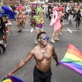 På lgbt.dk defineres køn som en social konstruktion. Det handler om de samfundsnormer, der er knyttet til en person med et bestemt sæt kønsorganer. Men blander man ikke kønsroller og køn sammen her?