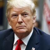 Fra 24. september har USAs præsident Donald Trump indført toldbarrierer på omkring halvdelen af de varer, som USA importerer fra Kina. (AP Photo/Evan Vucci)