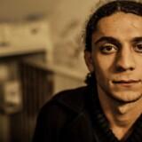 Den kendte digter Yahya Hassan er blevet tiltalt i en sag om ikke mindre end 40 kriminelle forhold.