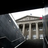Ratinginstituttet skrev i en note fredag den 14. september, at selve omfanget af skandalen kan bringe statens topklasse kreditvurdering »AAA« i fare.
