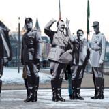 I 2017 opstillede aktivister i den tyske by Koblenz tre meter høje billeder af Franco, Mussolini, Hitler, Stalin og Petain som protest mod en kongres for Europa-Parlamentets højrepartier. Men sammenligningen mellem nutiden og 1930ernes demokratier er ofte overfladisk, skriver historikerne Jørgen Møller og Svend-Erik Skaaning i en ny bog. Foto: Patrik STOLLARZ / AFP