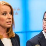 Centerpartiets Annie Lööf og Moderaternas Ulf Kristersson har nøgleroller i det komplicerede spil for at danne en ny regering i Sverige.