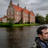 Siden 1720 har Gyldensteen Gods med den imponerende hovedbygning fra 1640 været i Peter Bernstorffs families eje. Men nu er det med al sandsynlighed snart slut.