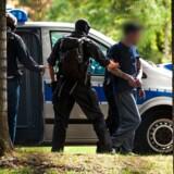 Tysk politi tilbageholdt mandag seks mænd fra gruppen »Revolution Chemnitz«, der tilsyneladende planlagde et højreekstremistisk terrorangreb på udlændinge og tyske politikere på genforeningsdagen.