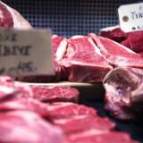 Regeringen lægger op til, at en ny mærkningsordning skal fortælle, hvor meget en rød bøf og andre fødevarer belaster miljøet.
