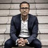 Jacob Mchangama, direktør for tænketanken Justitia, mener det er for vidtgående, at danske borgere skal straffes med op til 12 års fængsel for at hjælpe fremmede efterretningstjenester med at påvirke den offentlige opinion i Danmark.