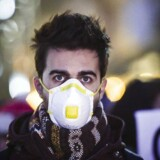 Polakker køber masker for at beskytte sig selv og downloader massevis af luftkvalitetsapps.
