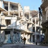 Ødelæggelserne er omfattende i Douma i Østghouta tæt på den syriske hovedstad, Damaskus. Det syriske regime og Rusland har i løbet af de seneste måneder intensiveret deres angreb mod den syriske opposition. De civile tabstal i området stiger dagligt. Foto: Firas Abdullah