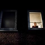 60-årige Helle Johansen lider af Alzheimers som blev konstateret i 2015, efter et længere forløb, hvor de ledte efter en diagnose, da hun tydeligvis ikke kun var deprimeret. I dag bor hun i Næstved og er en af de daglige brugere i Plejecenter Klarahus.