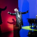 Maskerade af Ludvig Holberg opføres på Det Kgl. Teater. Iscenesat af den tyske instruktør Herbert Fritsch